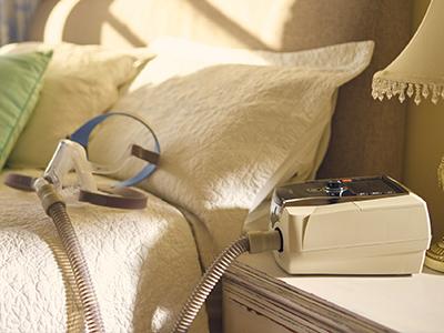 resmed-mechanical-ventilation-NIV-patients-400x300 (3)